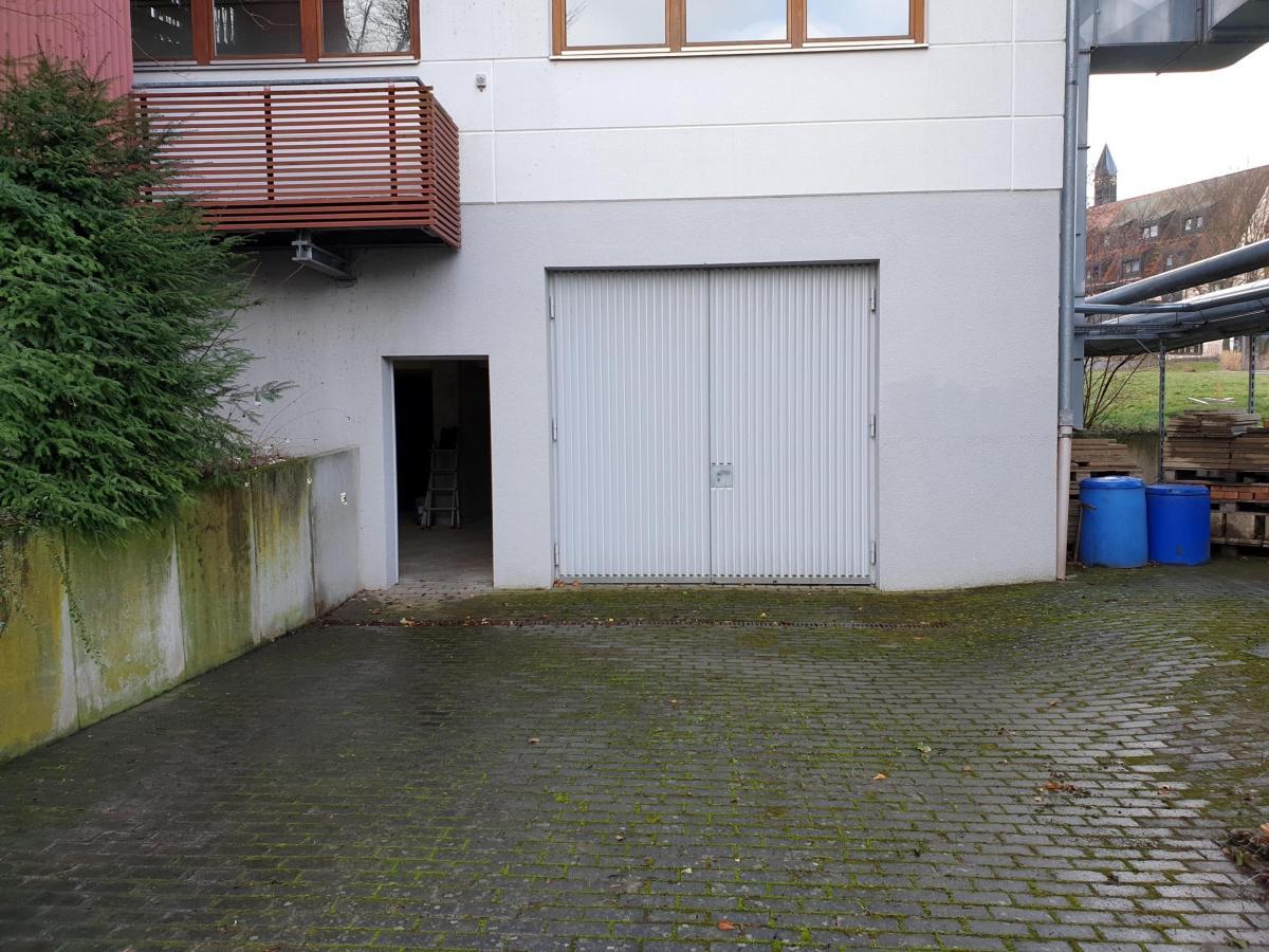 Direktzufahrt Keller, Garage